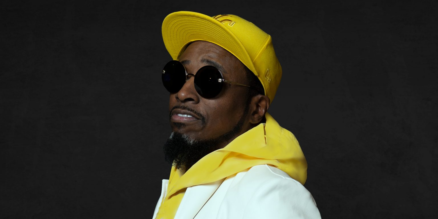 Image of Eddie Griffin with a yellow hat